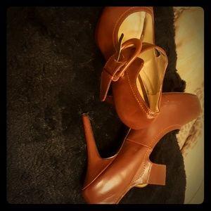 Brown heel wore once